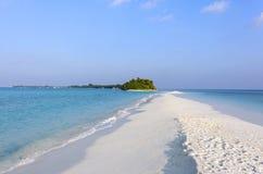 Sandbank in isola tropicale, Maldive Fotografia Stock