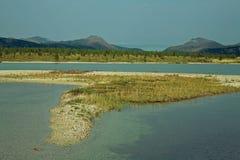 Sandbar i wyspa na jeziorze Fotografia Stock