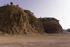 Sandberg Ural landskap medf8ort öknen like royaltyfri bild