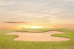 Sandbunker auf dem Golfplatz Lizenzfreies Stockbild