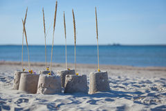 Sandcastle μια ηλιόλουστη ημέρα. Στοκ φωτογραφίες με δικαίωμα ελεύθερης χρήσης