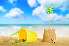 Sandcastle auf dem Strand Lizenzfreie Stockfotografie