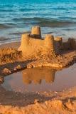 Sandcastle - pojęcie save budynek zdjęcia royalty free