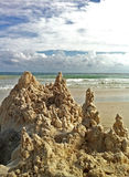 Sandcastle ruiny na plaży Fotografia Royalty Free