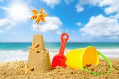 Sandcastle sulla spiaggia Immagini Stock Libere da Diritti