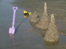 Sandcastles na plaży Zdjęcie Stock