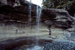 Sandcut海滩瀑布滴水,温哥华岛 库存照片