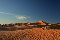 Sandd?ne, Sahara-W?ste lizenzfreie stockbilder