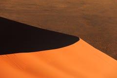 Sanddune vermelho Sossusvlei da borda imagem de stock