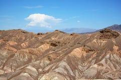 Sanddyn i Deathet Valley Royaltyfri Foto