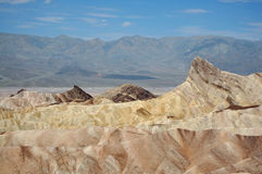 Sanddyn i Deathet Valley Royaltyfri Bild
