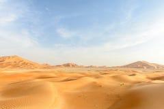 Sanddyn i den Oman öknen (Oman) arkivbilder