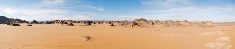 Sanddyn i panorama för Sahara öken, Libyen royaltyfri foto