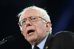 Sanders της Bernie συνάθροιση σε Άγιο Charles, Μισσούρι στοκ εικόνα