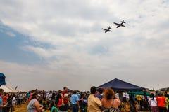SANDF-Militär stellt an einem Flugplatz dar Stockfoto