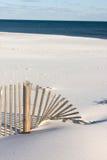 Sandfence Windblown en la playa Fotografía de archivo libre de regalías