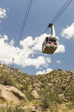 Sandia når en höjdpunkt spårvägen i Albuquerque som är ny - Mexiko Fotografering för Bildbyråer