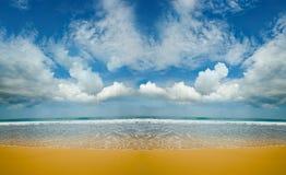 Sandig öde strand Arkivfoto