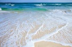 sandig kust för bakgrund Royaltyfri Foto