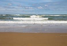 Sandig strand nära Nordsjön Zandvoort Nederländerna Royaltyfri Fotografi