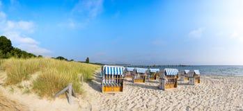 Sandig strand på ön Rugen, panorama royaltyfri bild