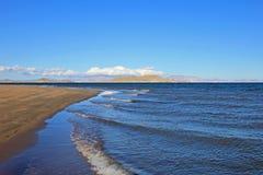 Sandig strand på Bahia De Los Angeles, Baja California, Mexico Royaltyfria Foton