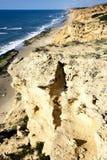 Sandiga berg på en Arsuf kust Arkivfoton