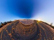 Sandiger Strand des Aero Grenzpanoramas und Eis vom Baikalsee Lizenzfreies Stockbild