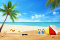 Sandiger Strand des Sommers stockbilder