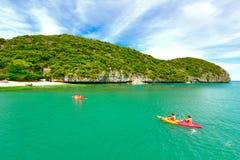 sandigt strandhav Koh Samui, Thailand Royaltyfria Bilder