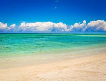 sandigt tropiskt för strand Härligt landskap arkivbild