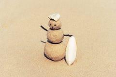 Sandman, poupée du sable, bonhomme de neige par la plage Photos stock