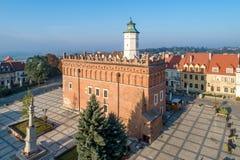 ??sandomierz 政府大厦和集市广场 图库摄影
