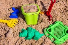 Sandpit para crianças com brinquedos Fotos de Stock Royalty Free