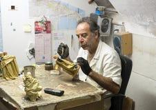 Sandro Riso dentro del Cartapesta famoso de Claudio Riso en Lecce, Italia fotos de archivo libres de regalías