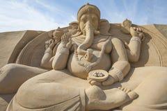 Sandskulptur av den hinduiska guden Ganesh Arkivfoto