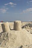 Sandslott på en strand Royaltyfri Bild