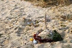 Sandslottar på stranden arkivfoton
