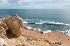 Sandstein-Klippe mit Meerblick Lizenzfreies Stockfoto