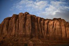 Sandstein upwarp im Monument-Tal Utah lizenzfreies stockbild