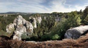 Sandsteinfelsen im böhmischen Paradies Stockfotografie