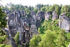 Sandsteinfelsen im tschechischen Paradies Lizenzfreie Stockfotografie