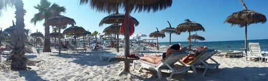 Sandstrand in Tunis lizenzfreies stockbild