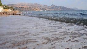 Sandstrand und -wellen stock video footage