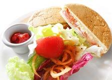 Sanduíche & salada de Ciabatta Fotografia de Stock Royalty Free
