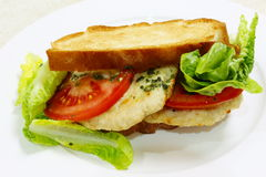 Sanduíche brindado do hamburguer da galinha Fotografia de Stock
