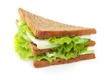 Sanduíche com alface, pepinos e queijo Fotos de Stock Royalty Free