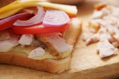 Sanduíche com galinha. Foto de Stock Royalty Free