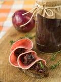 Sanduíche com salsicha e doces das cebolas Fotos de Stock Royalty Free