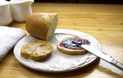 Sanduíche da manteiga e da geleia de amendoim Imagens de Stock Royalty Free